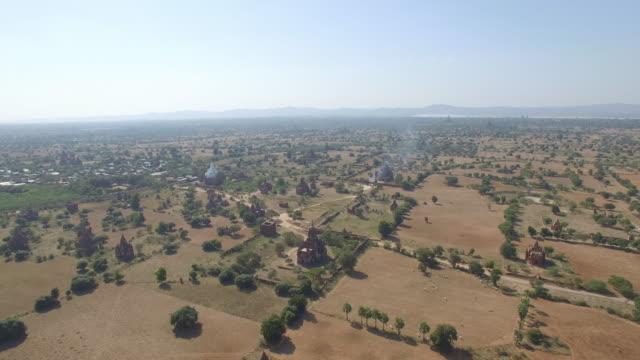 myanmar bagan drone - isoliert stock-videos und b-roll-filmmaterial