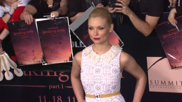 myanna buring at the the los angeles premiere of 'the twilight saga: breaking dawn - part 1' at los angeles ca. - myanna buring stock videos & royalty-free footage