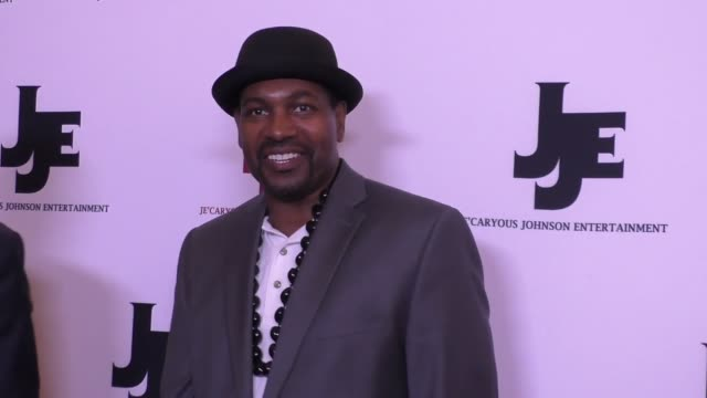 mykelti williamson at the 'it's a starry night' premiere at the orpheum theatre in los angeles at celebrity sightings in los angeles on march 18,... - ミケルティ ウィリアムソン点の映像素材/bロール