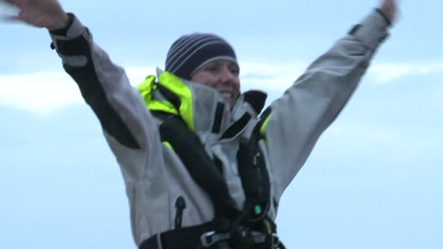 vídeos y material grabado en eventos de stock de mylene paquette a 35 year old from quebec in canada on tuesday made history by becoming the first north american to make a solo crossing of the... - environmental issues