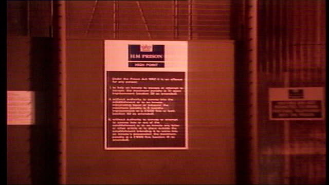 myra hindley dies lib suffolk at sign outside high point prison where hindley was held pull out prison gates - high point video stock e b–roll