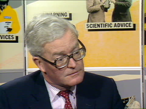 douglas hurd interview; england: int douglas hurd interview sot cas ex eng 58 secs tx 16.12.86/nao mix archive cas 35537 48:24 to 49:24 - itv news at one stock videos & royalty-free footage
