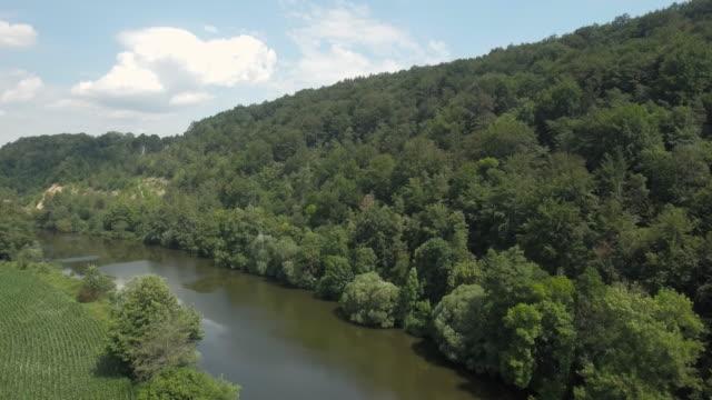 stockvideo's en b-roll-footage met antenne naab de vallei van de rivier in opper-palts in beieren (4k/uhd) - jura mesozoïcum