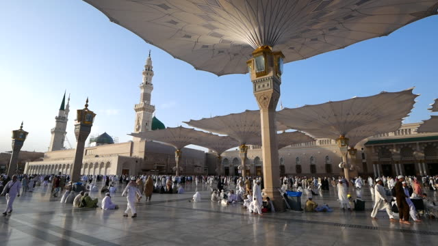 nabawi mosque, medina saudi arabia. - saudi arabia stock videos & royalty-free footage