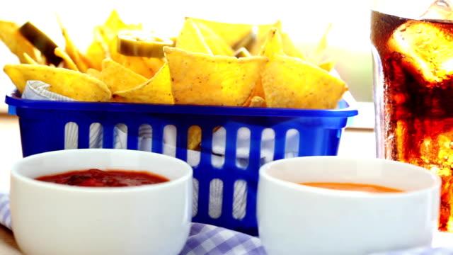 Nachos mit Salsa