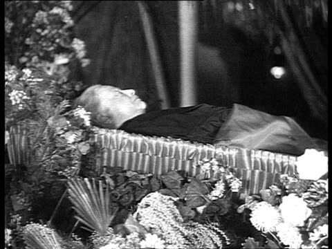 nadezhda krupskaya lenin's wife's funeral mortuary chapel in trade unions house people crying krupskaya in coffin molotov stalin voroshilov kalinin... - vyacheslav m. molotov stock videos and b-roll footage