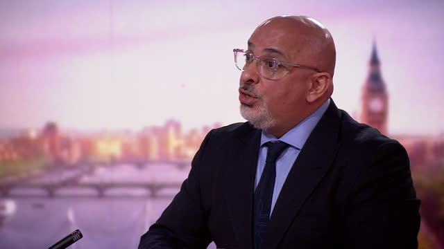 nadhim zahawi saying the government will share evidence of vaccine protection on 14th june with the british public - sharing stock videos & royalty-free footage