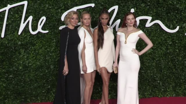 nadja swarovski amber valletta joan smalls alber elbaz and karen elson on the red carpet for the british fashion awards 2019 held at the royal albert... - joan smalls stock videos & royalty-free footage