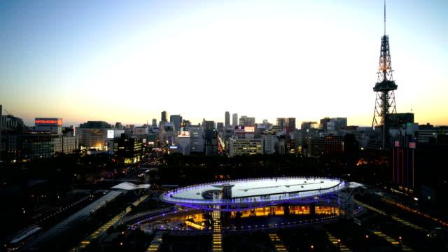 日本の名古屋のダウンタウンのスカイライン - テレビ塔点の映像素材/bロール