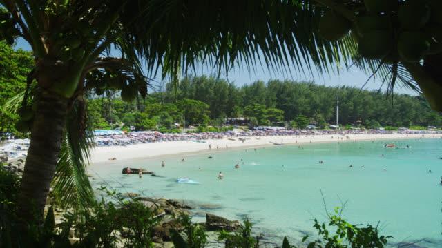 vidéos et rushes de nai harn beach, phuket, thailand - couches superposées