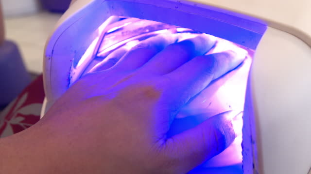 ネイルのビューティースパ - 衣類乾燥機点の映像素材/bロール