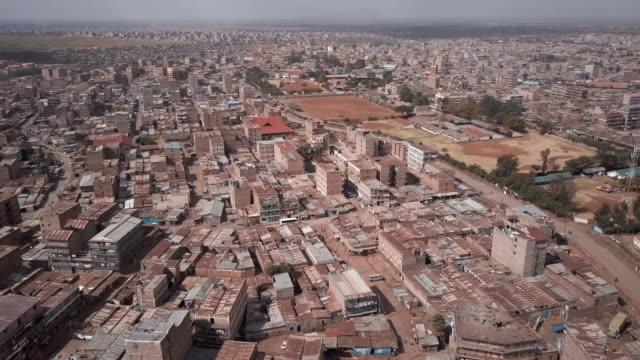 nairobi, kenya slums - aerial - ナイロビ点の映像素材/bロール