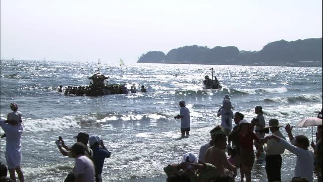 naked festival in the sea. - 伝統行事点の映像素材/bロール