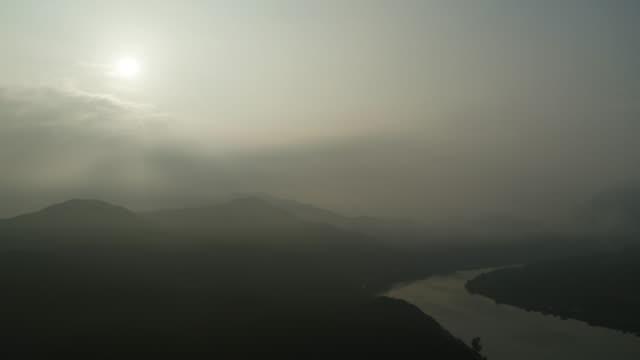 namhangang river and dumulmeori area at dawn / yangpyeong-gun, gyeonggi-do, south korea - grainy stock videos & royalty-free footage