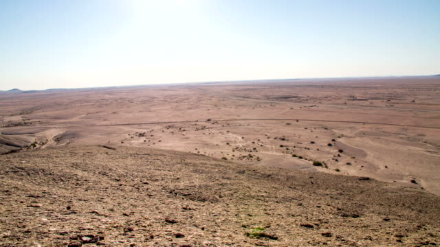ws ds namibian lanscape - arid stock videos & royalty-free footage