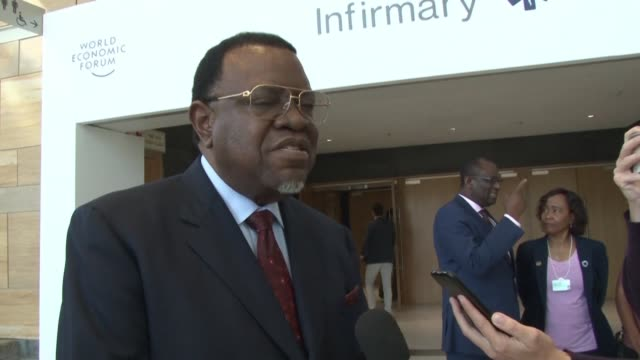 stockvideo's en b-roll-footage met namibian president hage geingob says zimbabwe has lost their founding father after the death of former zimbabwe president robert mugabe - clean