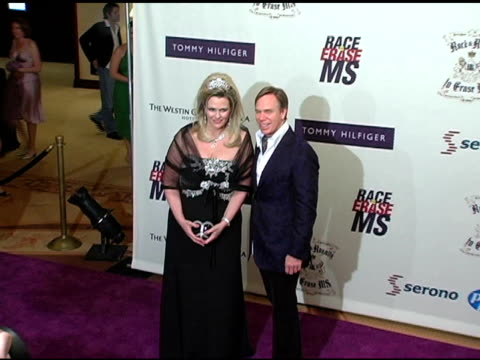 vídeos de stock e filmes b-roll de nancy davis and tommy hilfiger at the 12th annual race to erase themed rock and royalty to erase at the westin century plaza hotel in century city,... - race to erase ms