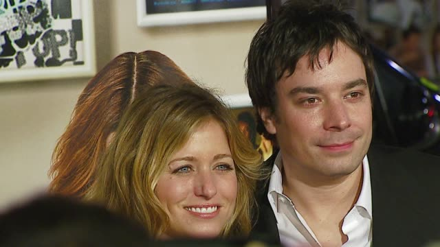 vídeos de stock e filmes b-roll de nancy juvonen and jimmy fallon at the 'music and lyrics' premiere at grauman's chinese theatre in hollywood california on february 7 2007 - nancy juvonen