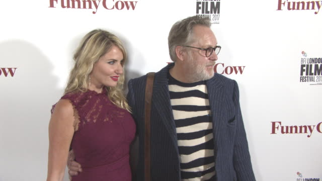 vídeos de stock, filmes e b-roll de nancy sorrell, vic reeves at 'funny cow' world premiere - 61st bfi london film festivalat vue west end on october 09, 2017 in london, england. - vic reeves
