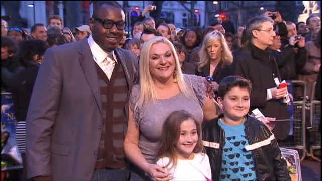 stockvideo's en b-roll-footage met 'nanny mcphee and the big bang' premiere at leicester square. shows exterior shots of vanessa feltz, ben ofoedu and family posing for photographers... - vanessa feltz
