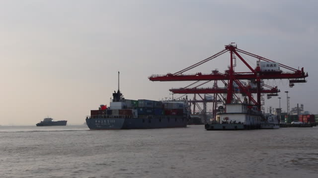 Nantong Port is one of busiest container transportation harbor in east coastline of China
