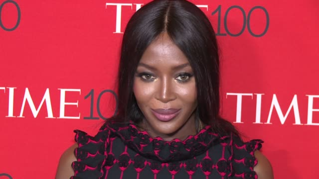 stockvideo's en b-roll-footage met naomi campbell at 2017 time 100 gala at jazz at lincoln center on april 25 2017 in new york city - naomi campbell