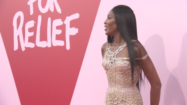 stockvideo's en b-roll-footage met naomi campbell at fashion for relief at on may 20 2017 in cannes france - naomi campbell