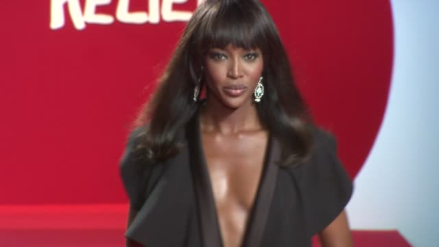 stockvideo's en b-roll-footage met naomi campbell at the fashion for relief japan fundraiser during the 64th annual cannes film festival at the fashion for relief 64th cannes film... - naomi campbell