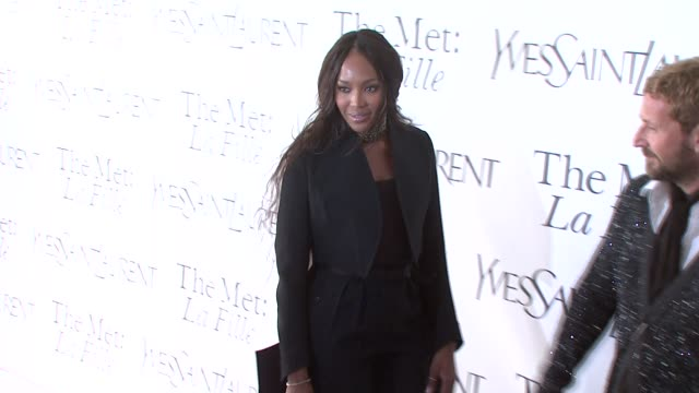 naomi campbell at the opening night of 'la fille du regiment' at the metropolitan opera at new york ny. - 2008 stock-videos und b-roll-filmmaterial