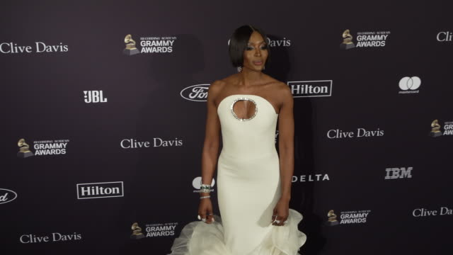 naomi campbell at the recording academy and clive davis' 2020 pregrammy gala at the beverly hilton hotel on january 25 2020 in beverly hills... - naomi campbell stock videos & royalty-free footage