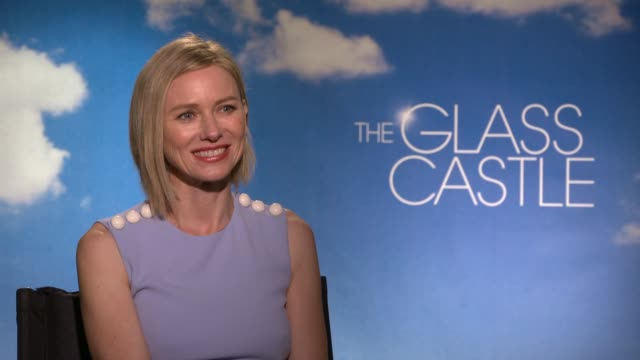 INTERVIEW Naomi Watts on what she loved about the film the characters speaking with her real life character and her art at the The Glass Castle...