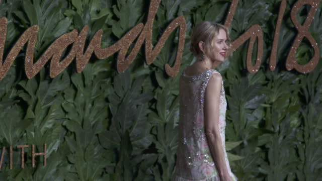 stockvideo's en b-roll-footage met naomie watts at the fashion awards 2018 in partnership with swarovski red carpet at royal albert hall on december 10 2018 in london england - mark watts