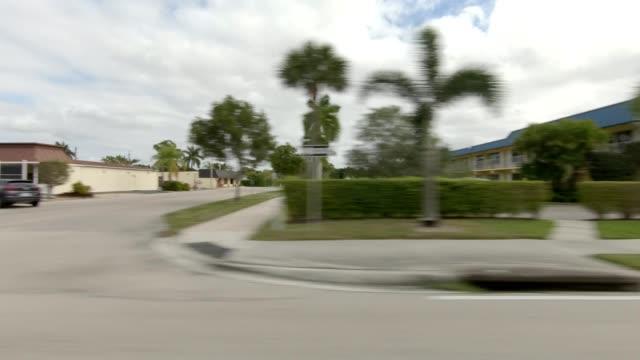 vídeos de stock, filmes e b-roll de nápoles florida iv série sincronizada direito ver placa de processo de condução - stationary process plate