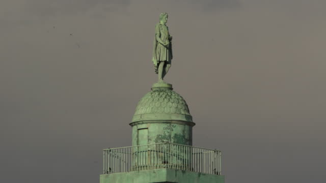 stockvideo's en b-roll-footage met napoléon top colonne - colonne vendome