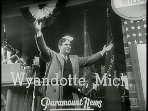narrated / 1940 / willkie starts his campaign in michigan before a huge crowd / willkie goes against roosevelt's new deal policy / - narrating stock videos & royalty-free footage