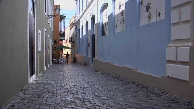 MS Narrow Street in center of Old San Juan, Calle Jon De La Capilla, Puerto Rico, USA