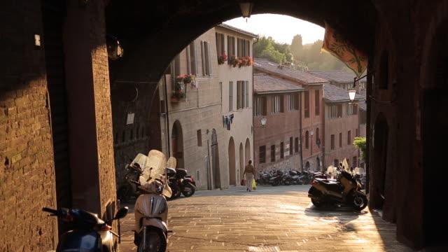 Narrow Street near Piazza del Campo, Siena, Tuscany, Italy, Europe