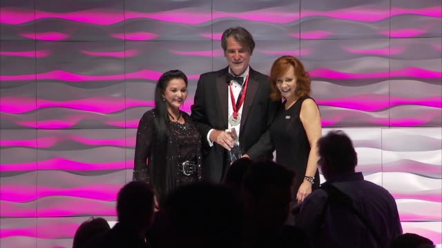 nashville music awards at country music hall of fame and museum on november 01, 2015 in nashville, tennessee. - crystal gayle stock videos & royalty-free footage