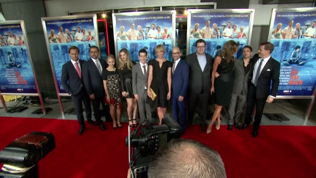 nat faxon steve carell annasophia robb zoe levin liam james toni collette jim rash tom rice allison janney sam rockwell and kevin walsh at the way... - amc loews stock videos and b-roll footage