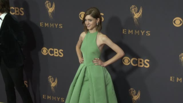 natalia dyer at the 69th annual primetime emmy awards at microsoft theater on september 17, 2017 in los angeles, california. - annual primetime emmy awards stock-videos und b-roll-filmmaterial