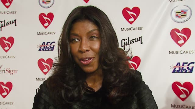 stockvideo's en b-roll-footage met natalie cole on why musicares and the grammy foundation are important at the musicares person of the year at la convention center in los angeles... - los angeles convention center