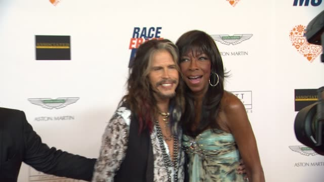 natalie cole, steven tyler, nancy davis at the 21st annual race to erase in los angeles, ca 5/2/14 - ナンシー デイヴィス点の映像素材/bロール