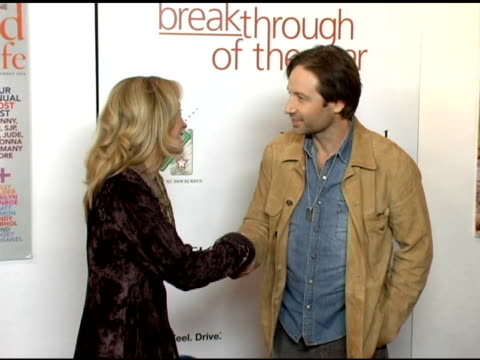 vidéos et rushes de natalie gray and david duchovny at the hollywood life magazine's breakthrough of the year awards at the henry fonda theatre in hollywood, california... - henry fonda theatre