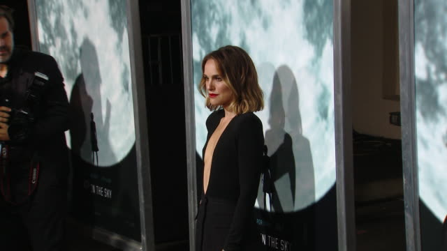 """natalie portman at the """"lucy in the sky"""" los angeles premiere presented by fox searchlight pictures in los angeles ca - fox searchlight pictures stock videos & royalty-free footage"""