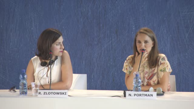 vídeos y material grabado en eventos de stock de interview natalie portman on here first time being directed by a female how the lack of female directors effects what type of films are made at... - natalie portman