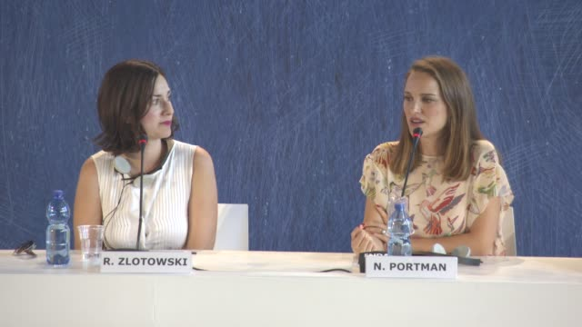 vídeos y material grabado en eventos de stock de interview natalie portman on learning from rebecca zlotowski as a director coming from a child actress background not going into cute rolls wanting... - natalie portman