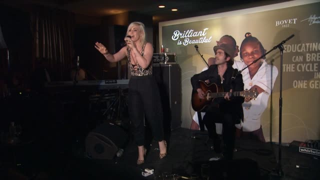 performance natasha bedingfield at the hollywood domino annual preoscar soiree presented by bovet 1822 at the sunset tower hotel on february 19 2015... - オスカーパーティー点の映像素材/bロール