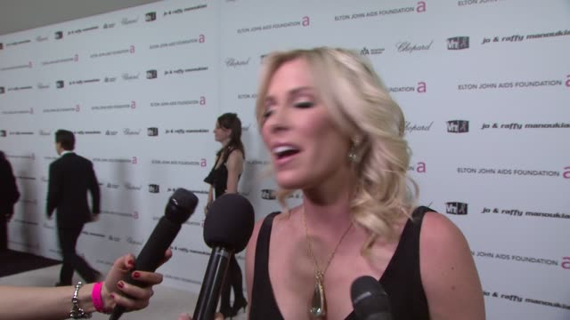 natasha bedingfield on her dress and why elton's party is the best and what goes on inside the event and rooting for slumdog millionaire at the 17th... - natasha bedingfield stock videos & royalty-free footage