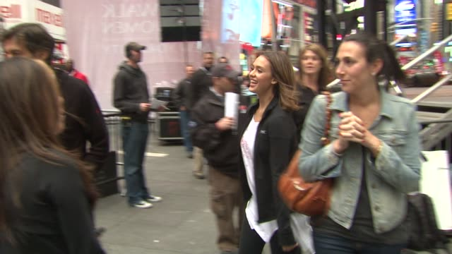 nate berkus jessica alba dr mehmet oz and jimmy fallon at the 14th annual entertainment industry foundation revlon run/walk for women at new york ny - jimmy fallon stock videos and b-roll footage