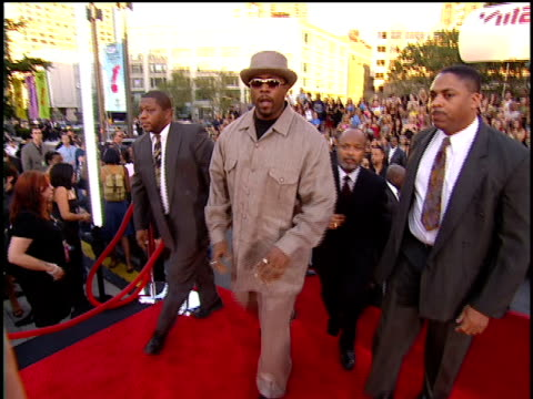 Nate Dogg arriving to the 2001 MTV MTV Video Music Awards Red Carpet